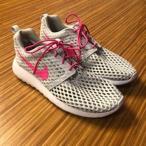 Women's Nike Mesh Shoes Like New-Size 7